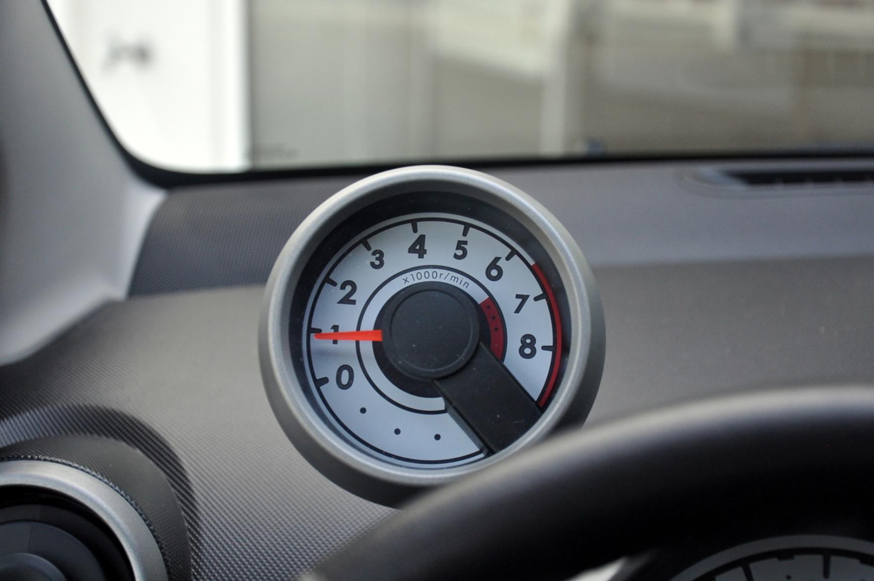 Peugeot-107-24