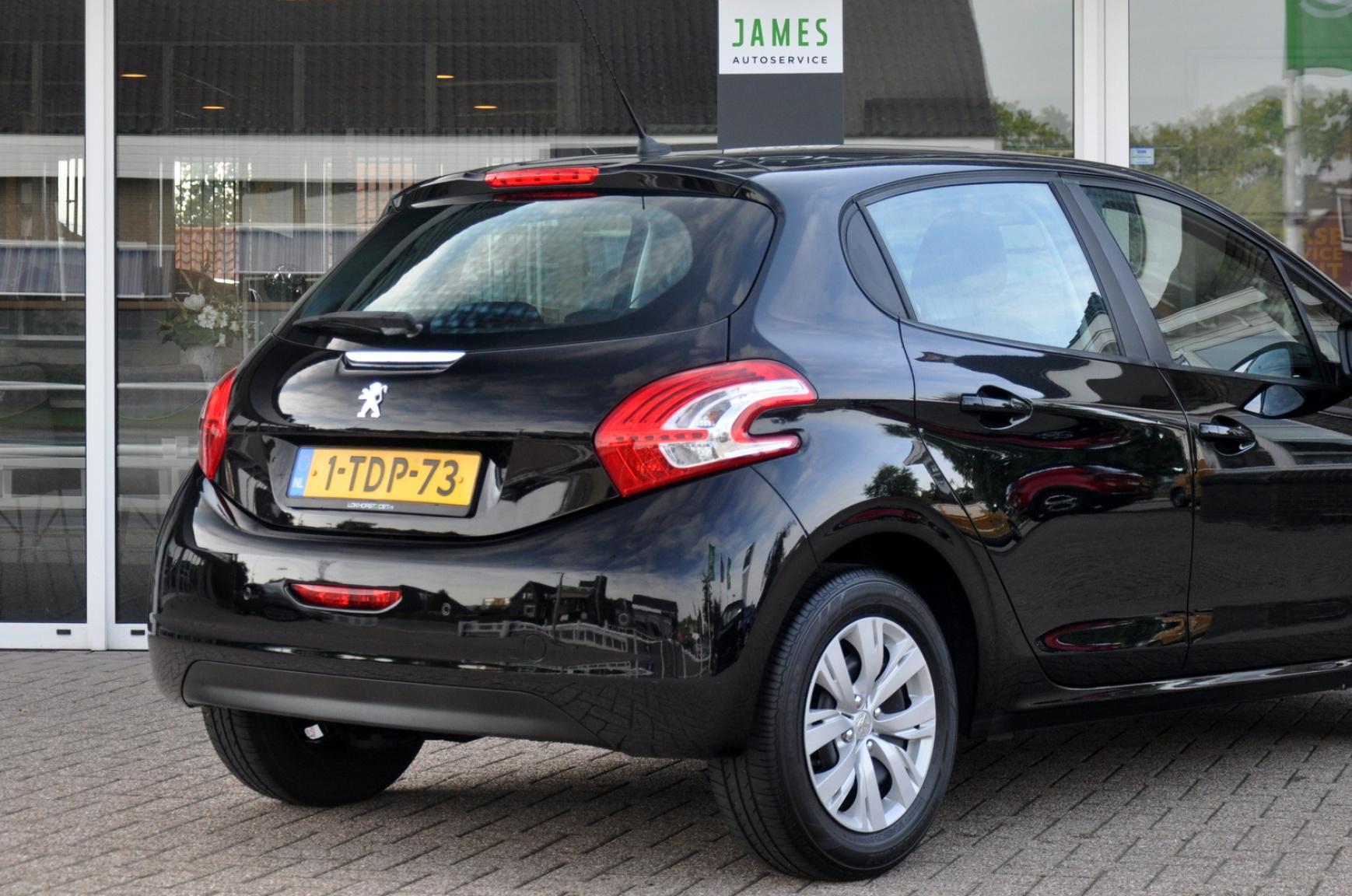Peugeot-208-29