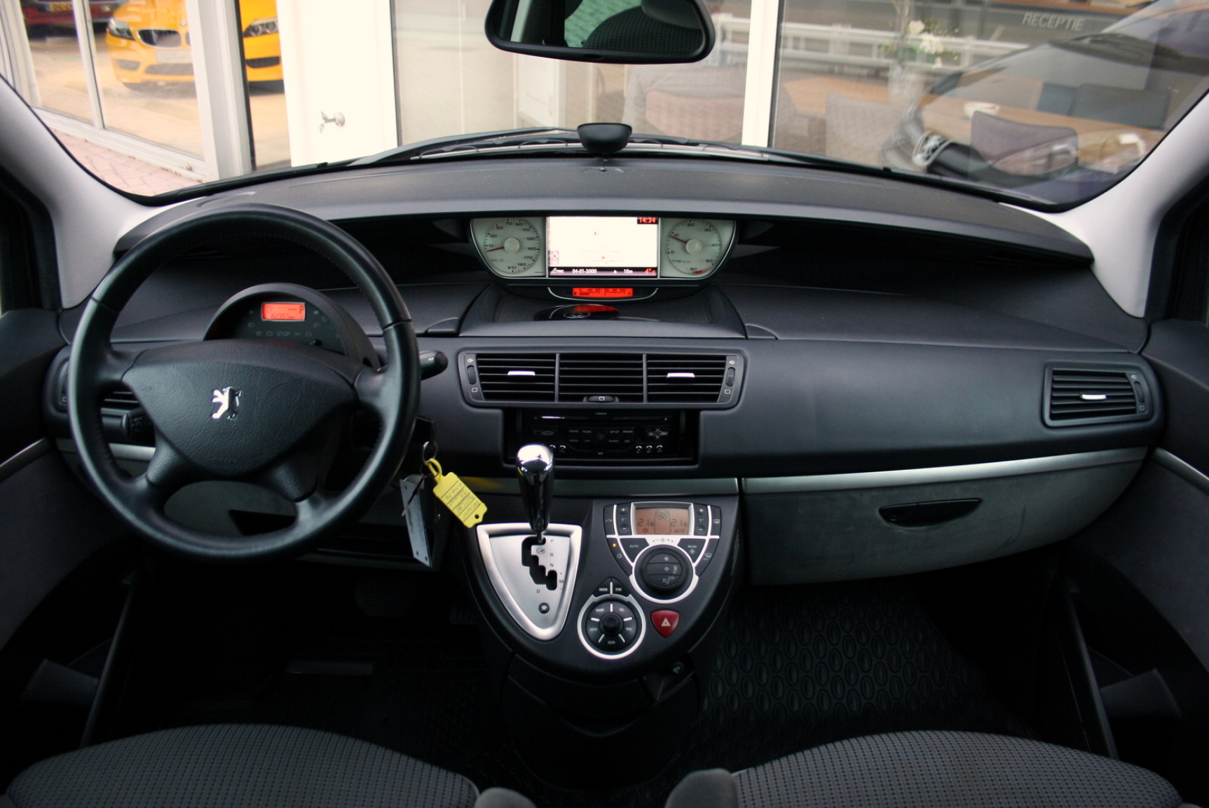 Peugeot-807-17