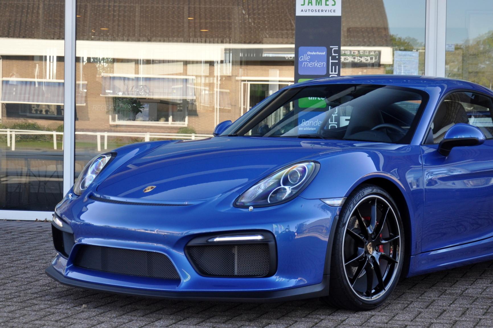 Porsche-Cayman-28