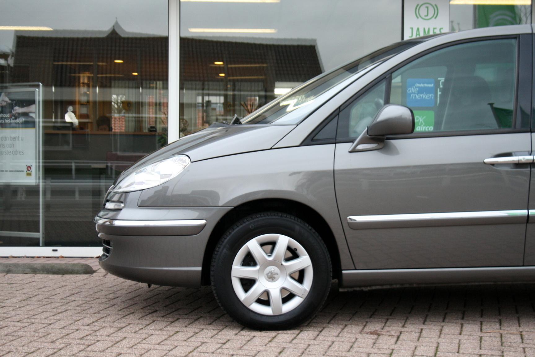 Peugeot-807-30