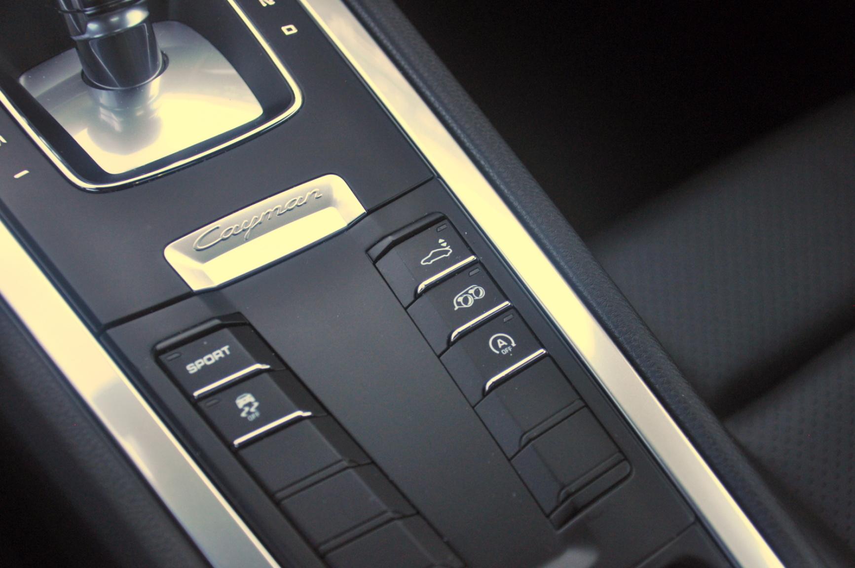 Porsche-Cayman-20