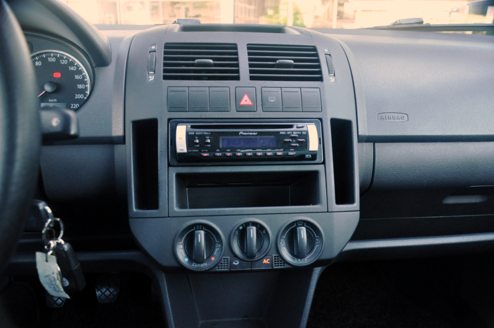 Volkswagen-Polo-22
