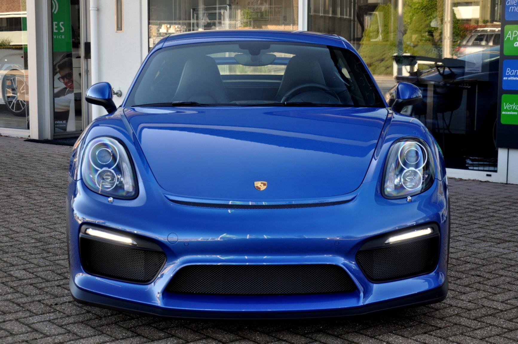 Porsche-Cayman-9
