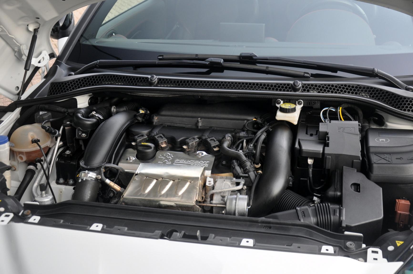 Peugeot-RCZ-R-44