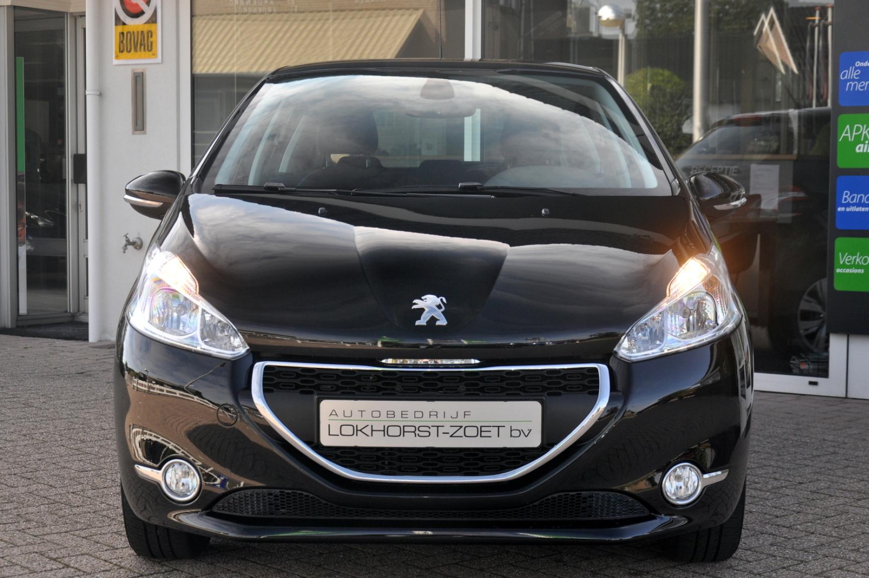 Peugeot-208-8