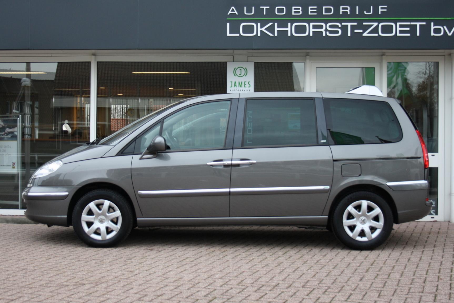 Peugeot-807-4
