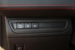Peugeot-208-30
