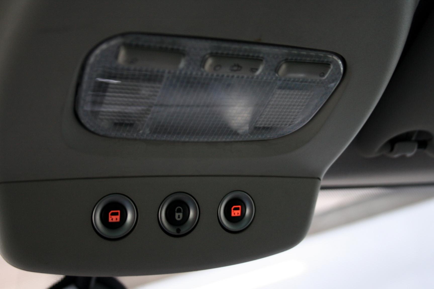 Peugeot-807-25
