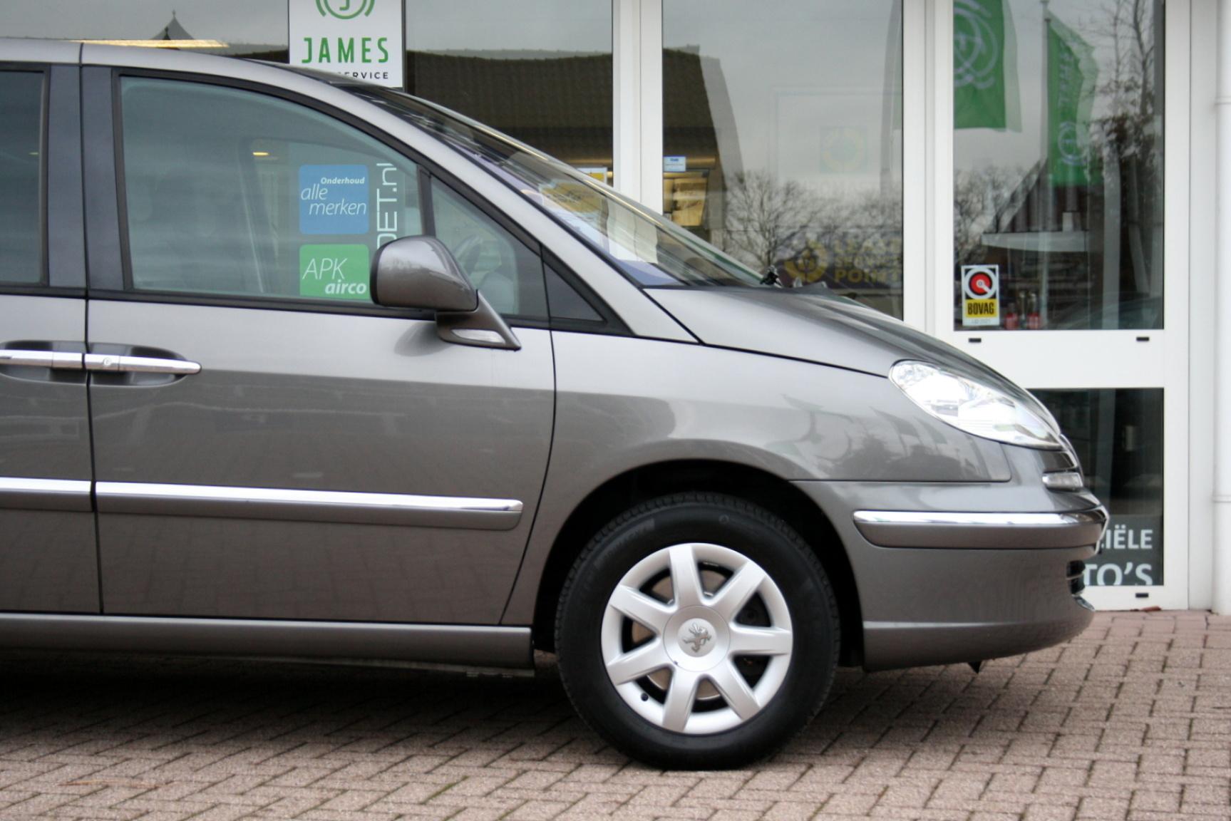 Peugeot-807-32